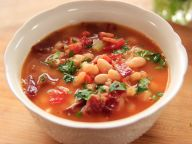 wu1213h_bacon-with-bean-soup_s4x3-jpg-rend-sniipadlarge